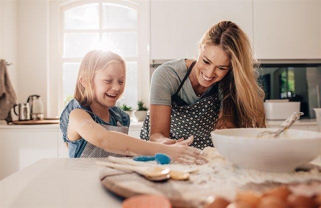 Cómo tener una buena relación con tus hijos sin convertirte en su amigo o colega